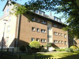 Mehrfamilienhaus bestaande uit 8 eenheden om uit te ponden op termijn!!!