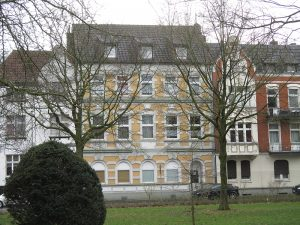 2 hoog renderende en centraal gelegen Mehrfamilienhäuser!